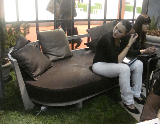 One of the new outdoor furniture from BAXTER. This is the first time BAXTER show outdoor furniture, I will not show you the rest of the line this time, all I can say for now is that their proposal is exiting.